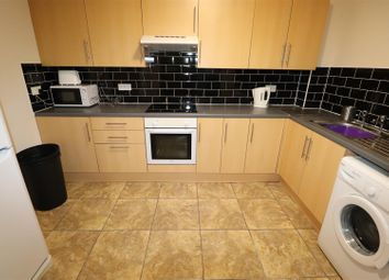 2 bed flat to rent in Sandy Court, Sandy Lane, Coventry CV1
