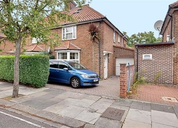 Thumbnail 4 bed property to rent in Saxon Drive, Acton, London