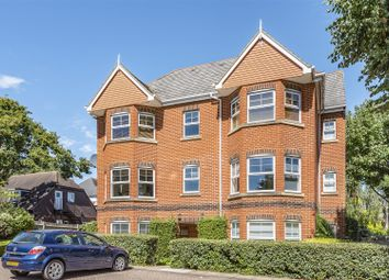 Thumbnail 2 bed flat to rent in Nightingale Walk, Windsor