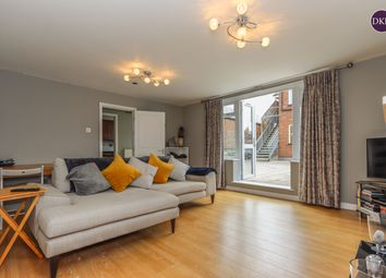 Thumbnail 3 bed flat for sale in Ebury Road, Rickmansworth