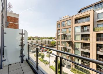 Thumbnail 2 bedroom flat for sale in Park Street, Chelsea Creek