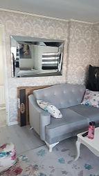Thumbnail 1 bed flat to rent in Hoppers Road, London