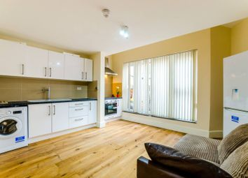 Thumbnail 2 bedroom flat to rent in Richmond Court, Hornsey