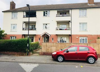 Thumbnail 2 bed flat to rent in Reddington Drive, Langley, Slough