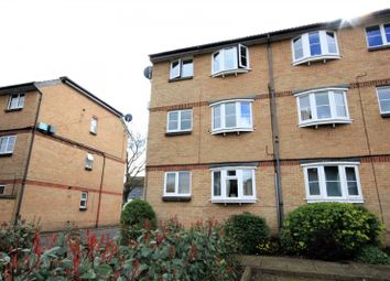 Thumbnail 1 bed flat to rent in Troon Court, Muirfield Close, Reading