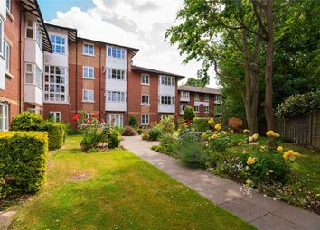 Beechwood Grove, Acton, London. W3. 1 bed flat