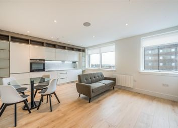 Thumbnail 2 bed flat to rent in Kings Road, Brentwood