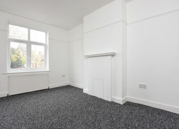 3 bed flat to let in Croydon Road