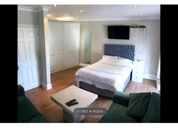 Thumbnail Room to rent in Aldeburgh Place, Greewich