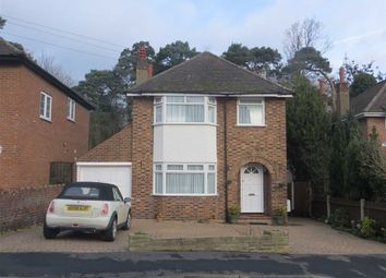 Thumbnail Room to rent in St Davids Drive, Broxbourne, Hertfordshire