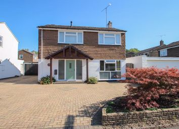 Kilnside, Claygate, Esher KT10. 3 bed detached house