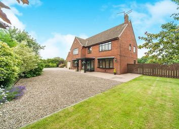 Thumbnail 5 bedroom detached house for sale in Middle Lane, Preston, Hull
