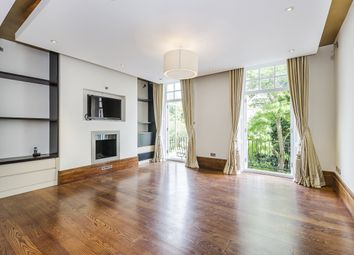 2 Bedrooms Flat to rent in Cadogan Place, London SW1X
