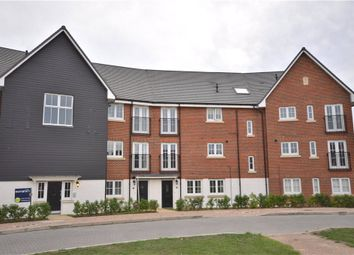 Thumbnail 2 bed flat for sale in Fulmar Crescent, Bracknell, Berkshire