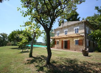 Thumbnail 6 bed farmhouse for sale in Campofilone, Campofilone, Fermo, Marche, Italy