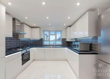 3 bed flat for sale in Montrose Crescent, London N12