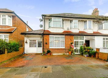 Thumbnail 5 bedroom property for sale in Princes Avenue, Palmers Green