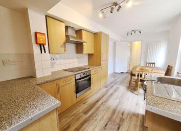 Charleston Street, Walworth, London (HD Video) SE17. 1 bed flat