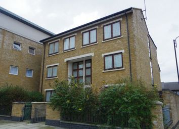 Thumbnail 4 bed town house to rent in Hawthorn Avenue, London