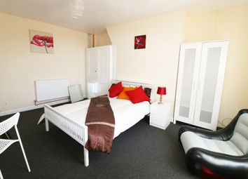 Thumbnail Room to rent in High Street, Ashford