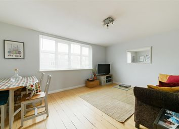 3 bed maisonette for sale in Dowdeswell Close, London SW15