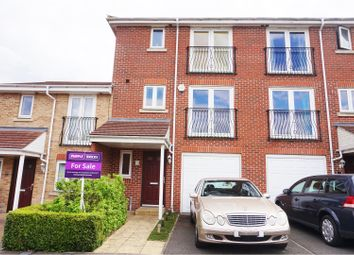 Thumbnail 4 bedroom town house for sale in Poppy Close, Luton