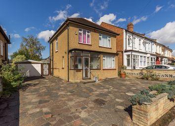 Victoria Road, New Barnet, Barnet EN4. 3 bed detached house