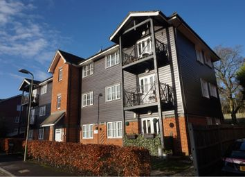 Thumbnail 2 bed flat to rent in Lyndhurst Road, Fleet