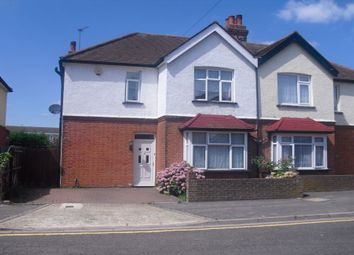 3 bed semi-detached house to rent in Sandycombe Road, Feltham TW14