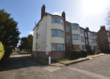 Thumbnail 2 bed flat to rent in Woodford Road, South Woodford