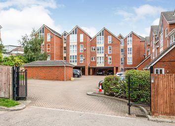 Claremont Court, 26 North Farm Road, Tunbridge Wells, Kent TN2. 1 bed flat