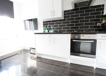 Thumbnail 3 bed flat to rent in Gleneldon Road, Streatham