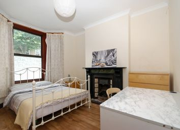 Thumbnail 5 bed shared accommodation to rent in Inverine Road, Charlton