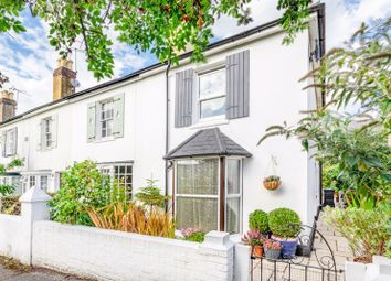 Church Walk, Leatherhead KT22. 2 bed end terrace house