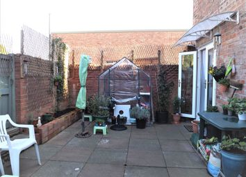 Thumbnail 1 bed flat for sale in Victoria Street, Holbeach, Spalding