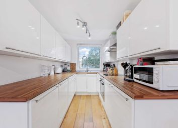 Thumbnail Flat for sale in Julius Court, Brentford