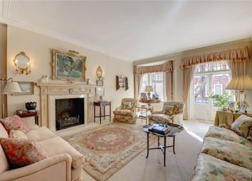 Thumbnail 4 bedroom flat for sale in Cadogan Court, Draycott Avenue, Chelsea, London