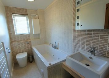Thumbnail 2 bed flat to rent in Chadwell Avenue, Cheshunt, Waltham Cross