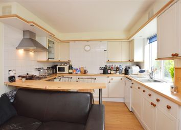 Thumbnail 4 bed flat to rent in Princes Way, London