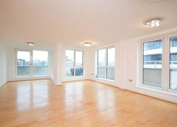 Thumbnail 3 bed flat to rent in Lombard Road, London