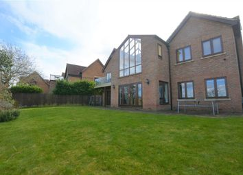 Thumbnail 6 bed detached house to rent in Hillcrest Close, London Road, Loughton, Milton Keynes