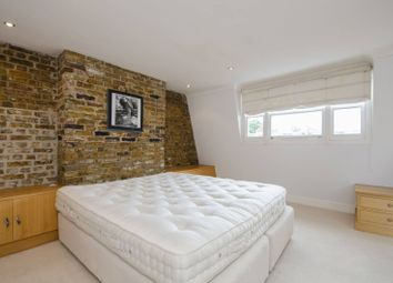 Thumbnail 3 bed flat to rent in Eardley Crescent, Earls Court