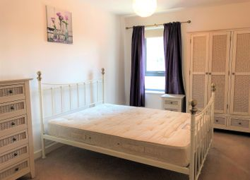 2 bed flat to rent in Bouverie Court, Leeds LS9