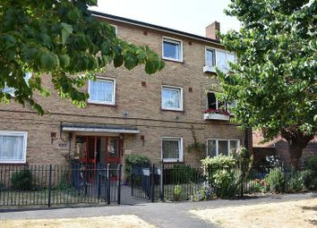 Thumbnail 1 bed flat to rent in Broom Square, Southsea