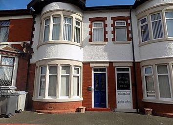 2 bed flat to rent in Warley Road, Blackpool, Lancashire FY1