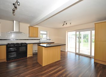 Thumbnail 4 bed detached house to rent in London Road, Waterlooville