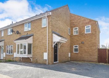 5 bed end terrace house for sale in Durham Close, Biggleswade SG18