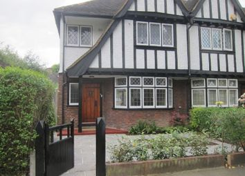 3 bed property to rent in Links Road, West Acton W3