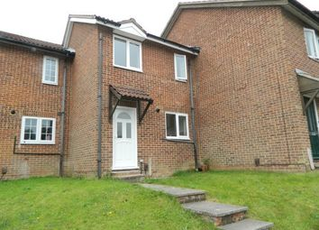Thumbnail 2 bed property to rent in Hollingbourne Crescent, Crawley
