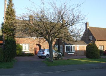 Thumbnail 4 bed detached house to rent in Walkwood Rise, Beaconsfield